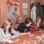 Nauka młodzieży poprzez zabawę