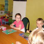 uczniowie w szkole języków Time