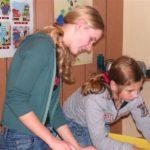 Zajęcia plastyczne w młodzieżowych lekcjach angielskiego